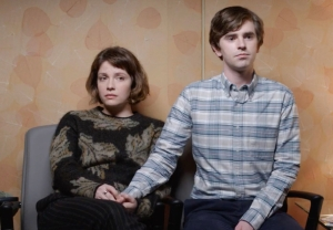 The Good Doctor 4x12 - Paige Spara and Freddie Highmore in 'Teeny Blue Eyes'