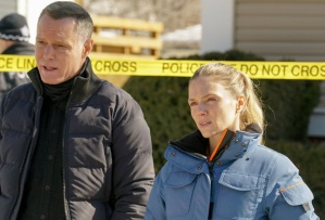 Jason Beghe and Tracy Spiridakos in Chicago P.D. Season 8