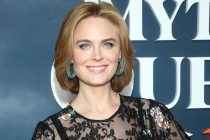 Yep, Emily Deschanel Is Nathan Fillion's Ex-Wife on The Rookie