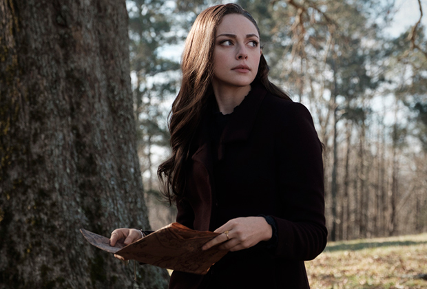 Legacies Revisits Iconic Vampire Diaries Location, Name-Drops a Certain Couple