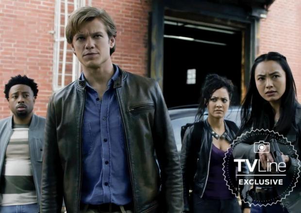 MacGyver Boss: Tweak to Series Finale Revealed Romantic 'Endgame' — Plus, How Season 6 Would Have Kicked Off