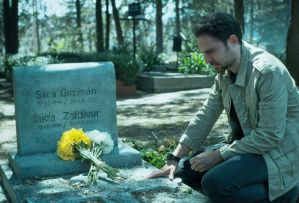 Who Killed Sara? Alex at Sara's grave