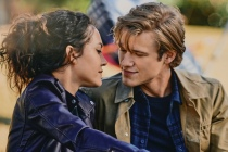 MacGyver: Scoop on MacRiley's First Kiss