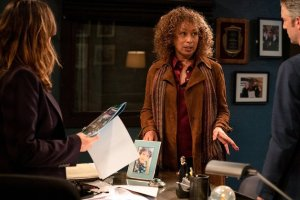 law-and-order-svu-recap-season-22-episode-13-trick-rolled-at-the-moulin