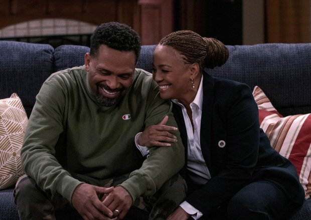 Mike Epps and Kim Fields in The Upshaws Season 1