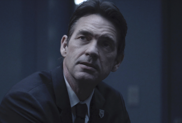 """Batwoman -- """"Armed and Dangerous"""" -- Image Number: BWN215fg_0029r -- Pictured: Dougray Scott as Commander Jacob Kane -- Photo: The CW -- © 2021 The CW Network, LLC. All Rights Reserved."""