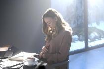 Handmaid's Tale's Yvonne Strahovski: Serena 'Will Know in Her Heart' That June Was Behind Finale Shocker
