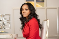 Batwoman Season 3: Robin Givens Joins Cast — as [Spoiler]'s Mother?