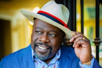Cedric the Entertainer to Host 2021 Emmys