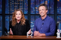 Amy Poehler and Seth Meyers Revive 'Really!?!' to Call Out Billionaire Space Race Between Branson and Bezos