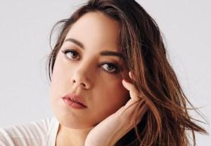 Aubrey Plaza Olga Dies Dreaming