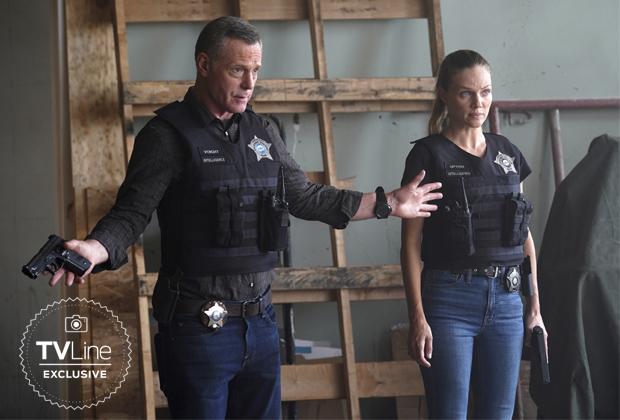 Jason Beghe and Tracy Spiridakos in Chicago P.D. Season 9