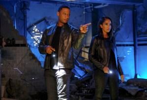 David Ramsey and Azie Tesfai in Supergirl Season 6