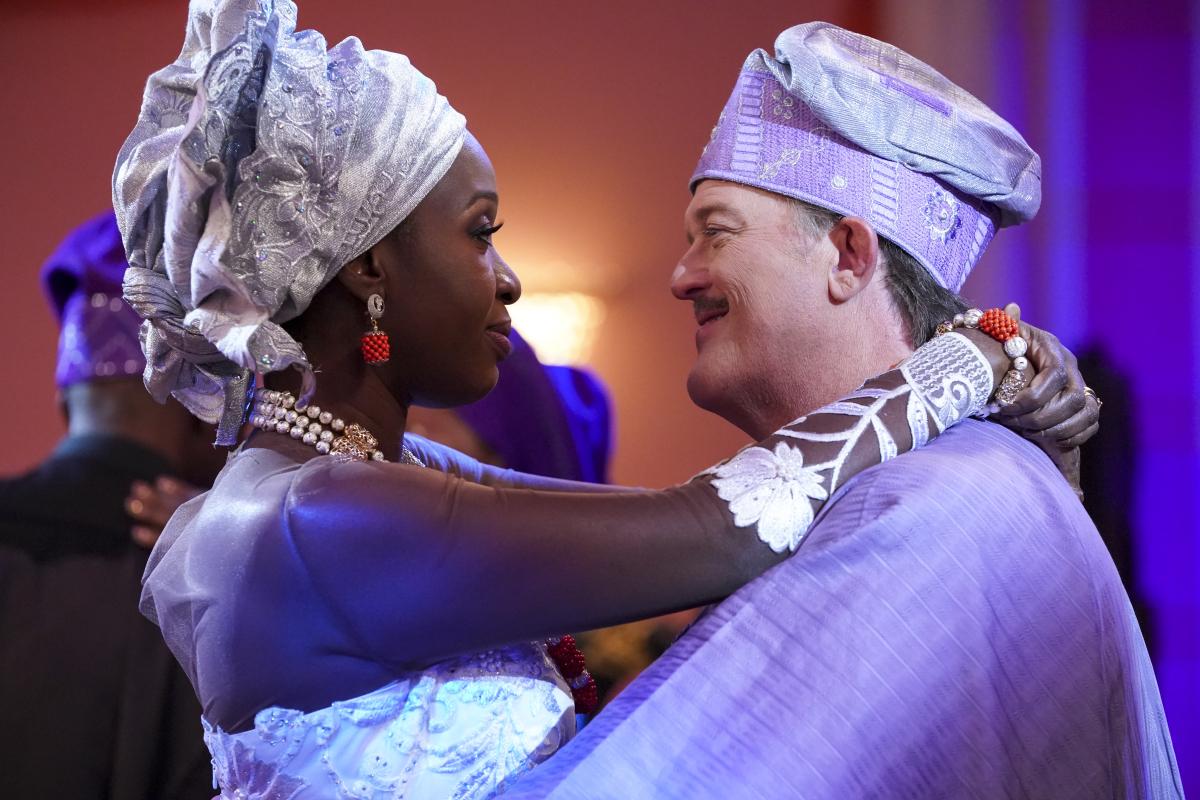 Bob Hearts Abishola Wedding 3x02