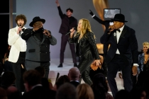 Emmys 2021: Grade Cedric the Entertainer's Opening Monologue
