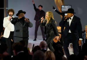 cedric-the-entertainer-emmys-opening-2021-monologue-video