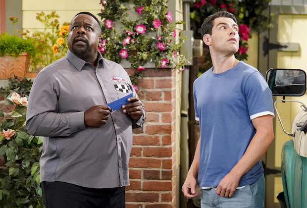 The Neighborhood Season 4, Episode 1 Premiere