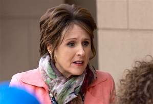 The Other Two Molly Shannon Pat