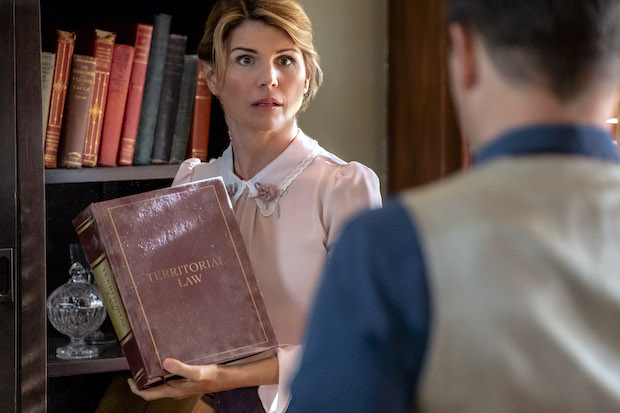 Lori Loughlin Sets Return to Acting With When Calls the Heart Spinoff