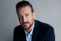 Jason Segel Comedy Shrinking Ordered at Apple TV+; Ted Lasso's Bill Lawrence and Brett Goldstein to Co-Write/EP