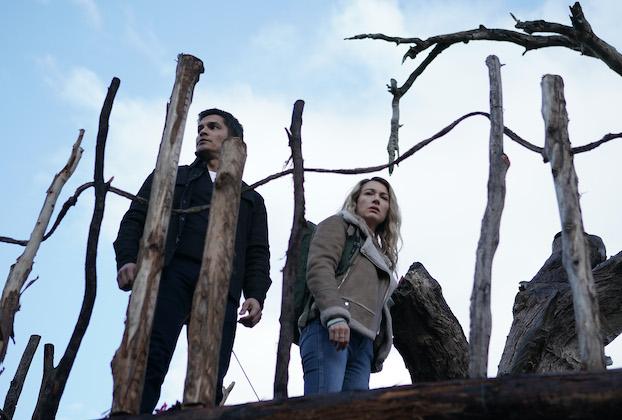 """LA BREA -- """"The Fort"""" Episode 105 -- Pictured: (l-r) Nicholas Gonzalez as Levi Brooks, Natalie Zea as Eve Harris -- (Photo by: Sarah Enticknap/NBC)"""